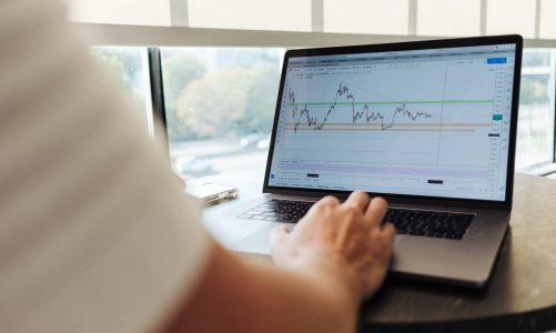 Broken Compass: Why Economists Can't Predict Crises